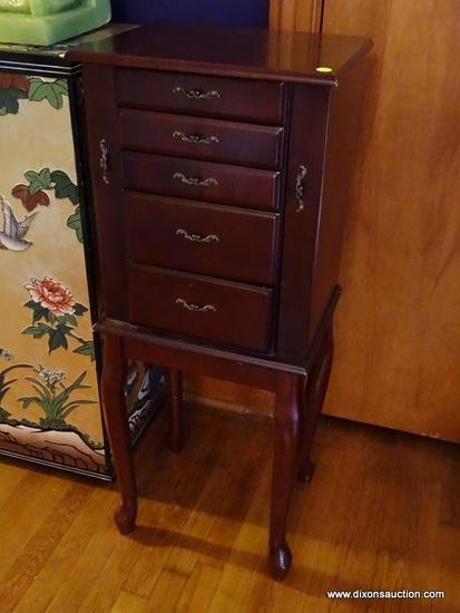(LR) JEWELRY CABINET; CHERRY QUEEN ANNE JEWELRY CABINET WITH MIRRORED LIFT TOP, 4 DRAWERS AND SIDE