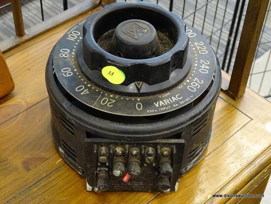 (R1) GENERAL RADIO COMPANY TRANSFORMER; VARIAC TYPE 20HM, 270 VOLT INPUT.