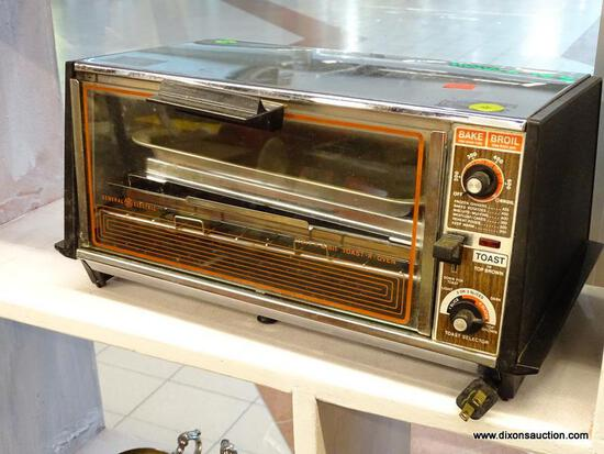 "(WINDOW) GE TOASTER OVEN; VINTAGE, TOAST N BROIL ""TOAST-R-OVEN"". IN OVERALL GOOD CONDITION."