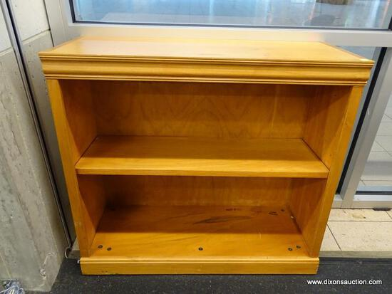 (WINDOW) BOOKSHELF; WOODEN BOOKSHELF WITH ONE ADJUSTABLE SHELF. IN GOOD CONDITION. MEASURES 32 IN X