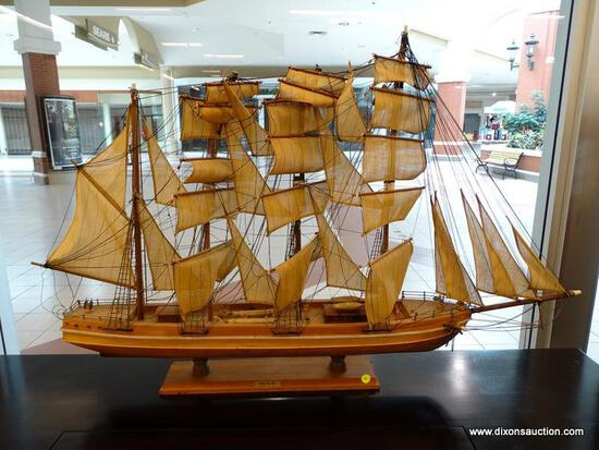 (WINDOW) WOODEN MODEL CLIPPER SHIP; CRUZ DEL SUR CLIPPER, YEAR 1821. ALL HAND MADE WITH EXQUISITE