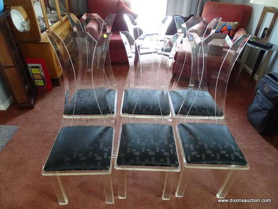 (DR) SET OF LUCITE DINING CHAIRS; 6 PIECE SET OF MID CENTURY MODERN, LUCITE DINING CHAIRS WITH A