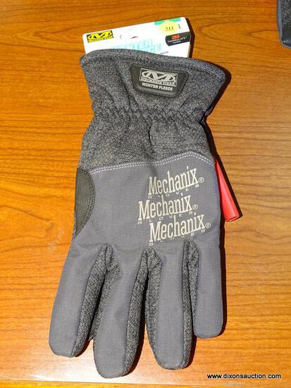 (R1) MECHANIX WEAR X-LARGE, BLACK POLYESTER, MEN'S INSULATED WINTER GLOVES. RETAILS FOR $29.98.