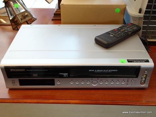 SLYVANIA VIDEO CASSETTE REOCRODER & DVD/CD PLAYER. MODEL NO. DVC850C.