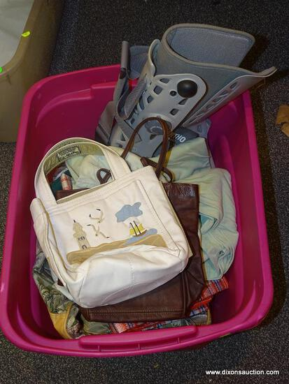 TUB LOT OF ASSORTED ITEMS; LOT INCLUDES AN AIRCAST SOFT STRIKE BOOT FOOT BRACE, ASSORTED BAGS, AND
