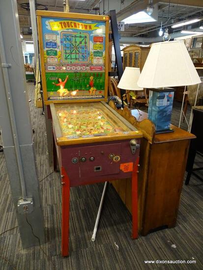(R4) BALLY TOUCHDOWN PINBALL MACHINE. VINTAGE CONDITION. POWERS ON AND LIGHTS UP, BUT DOESN'T PLAY.