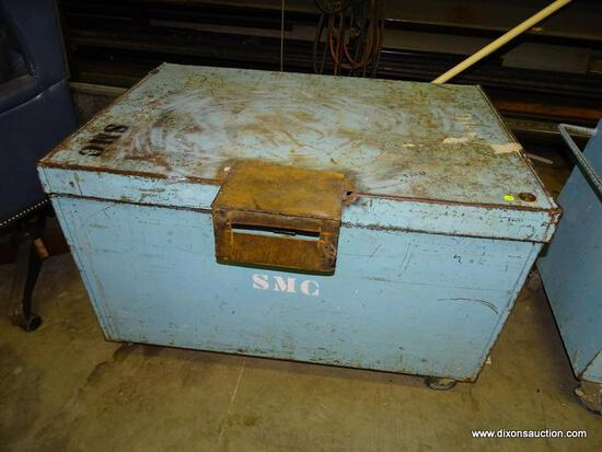 """HEAVY DUTY ROLLING JOB BOX. HEAVY USED AND SOME RUST AND DENTS. MEASURES 44"""" X 30"""" X 29""""."""