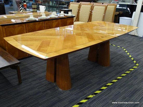 OSCAR DEL ARREDAMENTO MINIFORMS ART DECO STYLE DINING TABLE; MADE IN ITALY. HAS AN INLAY BANDED TOP