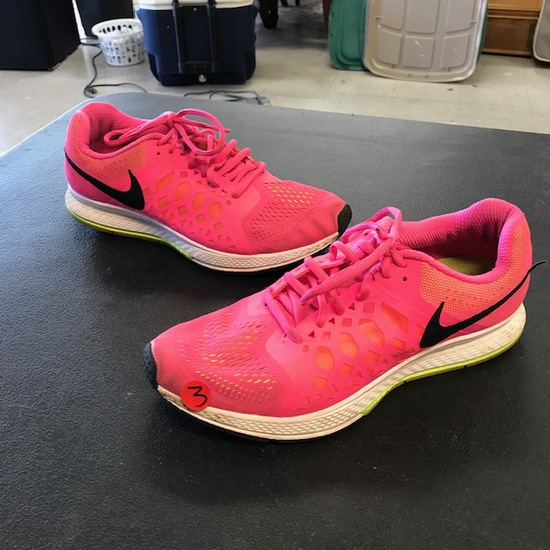 NIKE SHOES - PRE-OWNED WOMENS