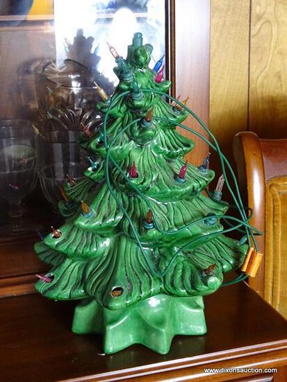 (FRM) TABLE CHRISTMAS TREE ; 13 INCH CERAMIC TABLETOP LIGHT UP CHRISTMAS TREE