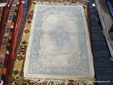 INDIA TUFTED RUG. MEASURES 2'6