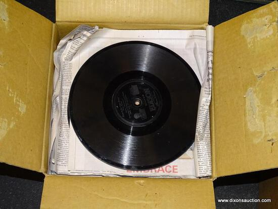 BOX LOT OF ASSORTED EDISON PHONOGRAPH RECORDS WITH TITLES TO INCLUDE TO-MORROW FOX TROT, ARGENTINA