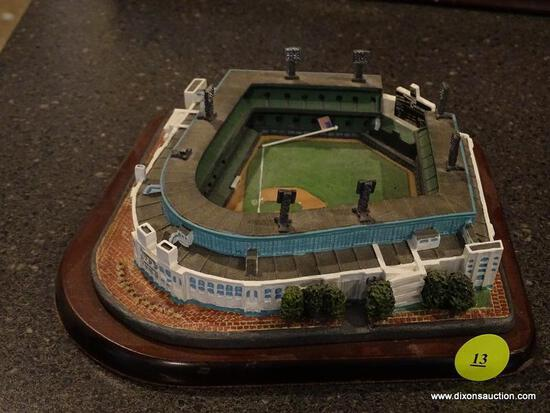 "(BAS) THE DANBURY MINT ""COMISKEY PARK HOME OF THE CHICAGO WHITE SOX"" STADIUM FIGURINE. MEASURES 6 IN"