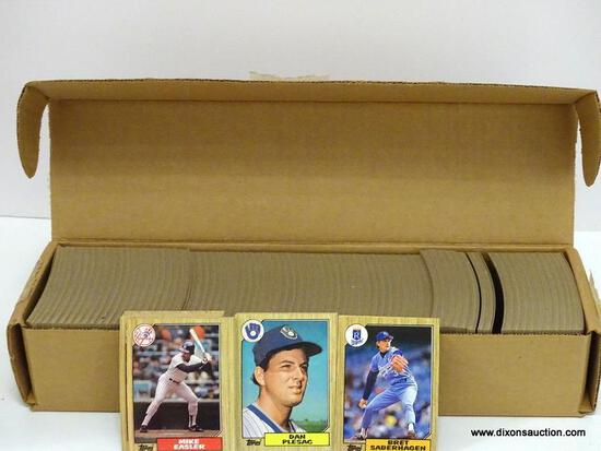 TOPPS 1987 BASEBALL CARDS LOOKS TO BE COMPLETE BROWN BOX ITEM IS SOLD AS IS WHERE IS WITH NO