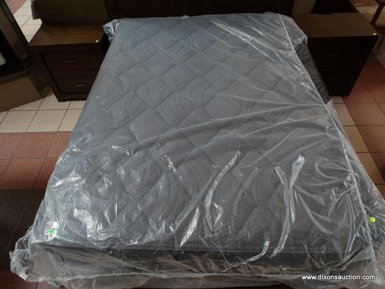 BRAND NEW IN PLASTIC QUEEN SIZE MATTRESS. PLASTIC HAS SOME OPENED AREAS BUT THE MATTRESS ITSELF IS