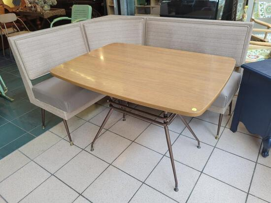 VINTAGE - RETRO 1950'S (DERMALUX?) FORMICA TABLE WITH CORNER BENCH AND 2 CHAIRS (NOT PICTURED) SEATS