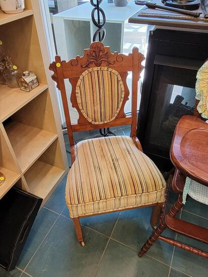 VICTORIAN STYLE CHAIR WITH VELOUR TYPE FABRIC (CLEAN) - FRONT LEGS ARE WHEELED