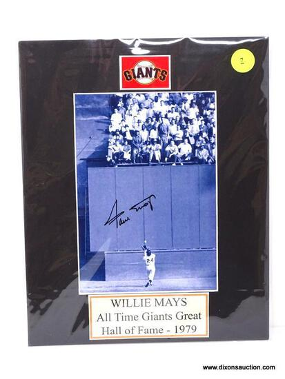"""WILLIE MAYS """"ALL TIME GIANTS GREAT"""" HALL OF FAME (1979) SIGNED PHOTOGRAPH WITH MATTING. MEASURES 8"""