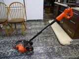 (R1) BLACK & DECKER EDGEHOG TRIMMER. ITEM IS SOLD AS IS, WHERE IS, WITH NO GUARANTEE OR WARRANTY, NO