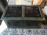 (R1) GREEN AND FLORAL PAINTED CHEST WITH ACANTHUS LEAF PAINTED ACCENTS AND SOLID GREEN PAINTED