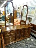 (R1) KLING COLONIAL BRAND MAHOGANY DOUBLE MIRRORED 8 DRAWER AND 2 DOOR DRESSER WITH 3 INTERIOR