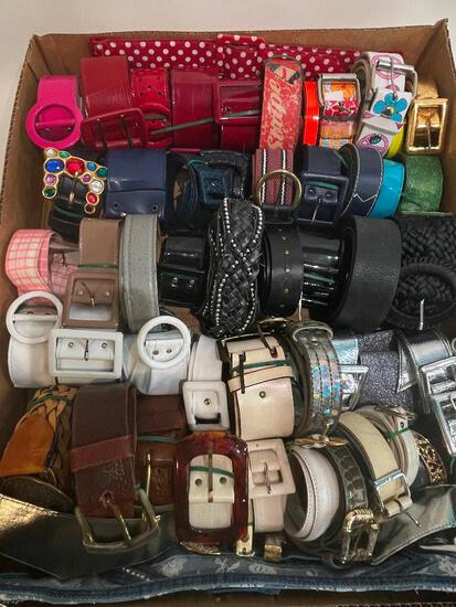 (S11K) LOT OF VINTAGE FASHION BELTS INCLUDING SAKS FIFTH AVENUE, BIOWORLD RED STRIPE AND OTHERS,