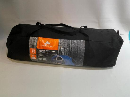 (S12L) OZARK TRAIL 8 PERSON 17FT X 8FT DOME TENT CAMPING GOOD CONDITION
