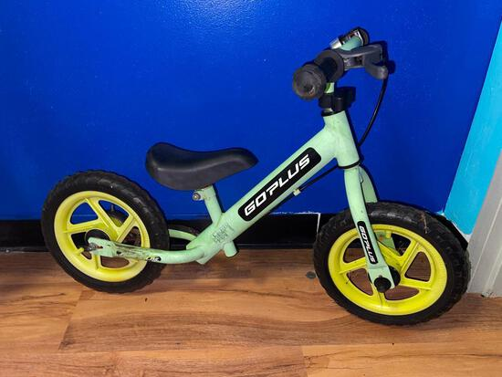 (S12L) 12 INCH GO PLUS KIDS BALANCE BIKE SCOOTER WITH BRAKES AND BELL-GREEN TY571746GN