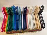 (S15O) 65+ ASSORTED COLOR PLASTIC CLOTHES HANGERS