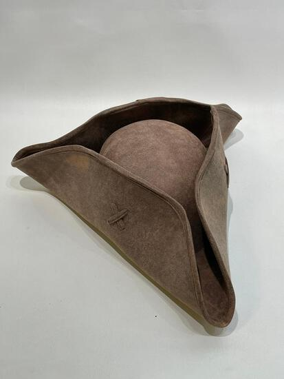 (9I) GENUINE DISNEY PIRATES OF THE CARRIBEAN DEAD MEN TELL NO TALES COSTUME TRICORN HAT ONE SIZE