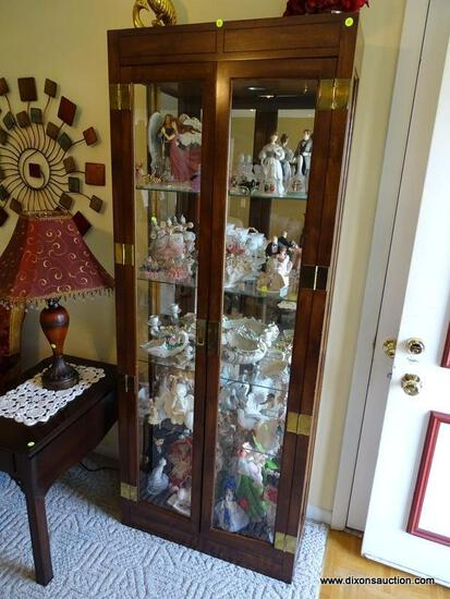 (FR) WOODEN & GLASS DOUBLE DOOR LIGHTED CURIO CABINET WITH (4) GLASS SHELVES & BRASS HARDWARE.
