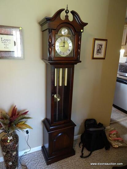 (FR) TEMPUS-FUGIT WOODEN CASED GRANDFATHER CLOCK. INCLUDES WEIGHTS & PENDULUM. IN GOOD WORKING