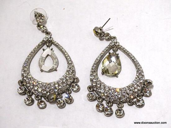 (SC) PAIR OF DANGLE STYLE EARRINGS WITH CLEAR GEMS. ITEM IS SOLD AS IS, WHERE IS, WITH NO GUARANTEE
