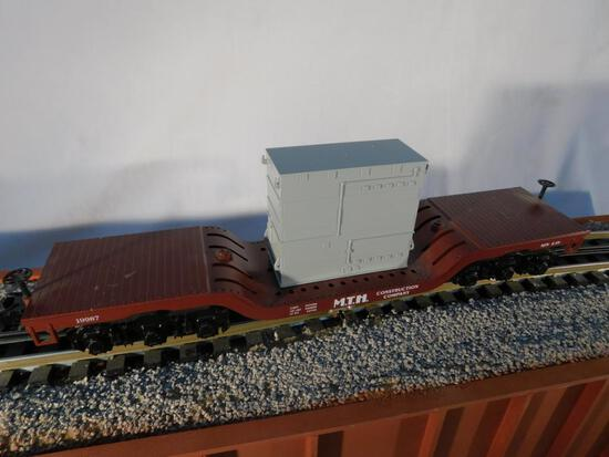 Rail King No. 30-7612 MTH Construction Depressed Flatcar