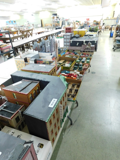 Model Trains Stuff - Collectibles - Furniture