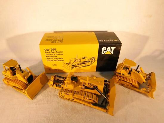 Cat D9G Track Type Tractor In Box 1:50 Scale - 2 John Deere 850c grader 1:50 scale