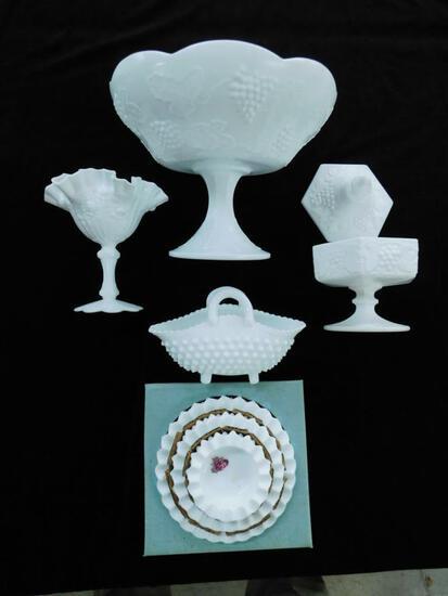 Grouping of 5 Fenton Milk Glass Pieces