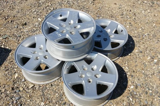 (5) 18 in. Jeep Rims