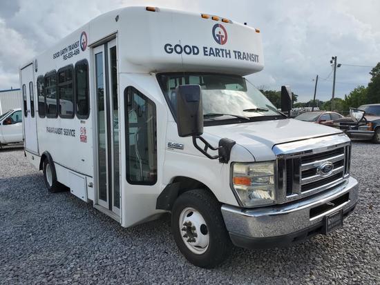 2009 Ford E-450 Shuttle Bus