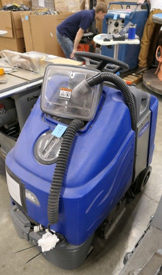 Stand-On Carpet Cleaner: Windsor Chariot 3 iExtract
