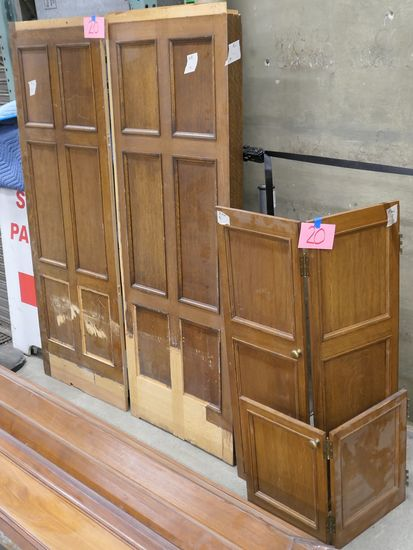 LOT 20: Antique Oak Wooden Panels, 2 flat & 2 hinged.