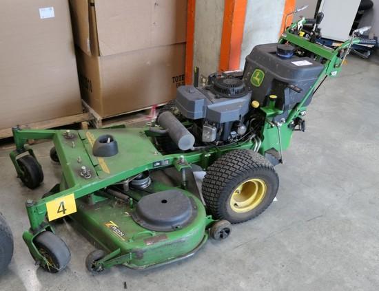 Commercial Lawn Mower: 2005 John Deere Model 7H17