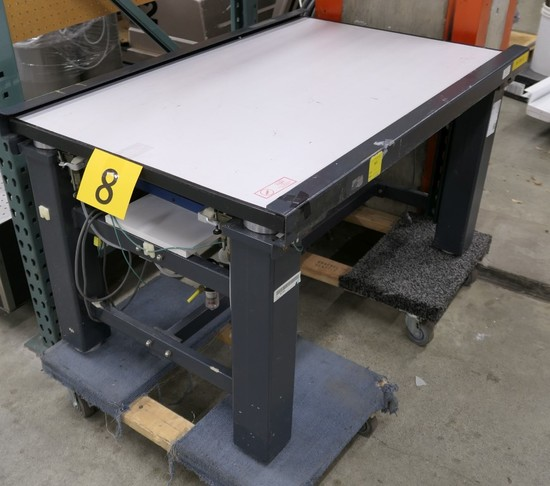 Self Leveling Table: Kinetic Systems, Vibraplane
