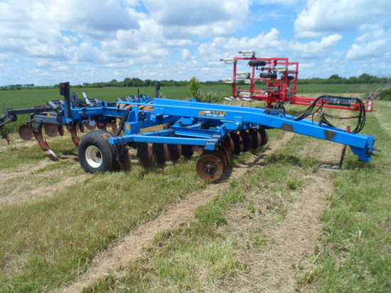 DMI 530B Disc Ripper, New Blades and Points, One owner