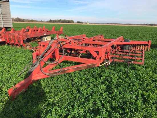 Homemade Danish tine tillage tool with single packer