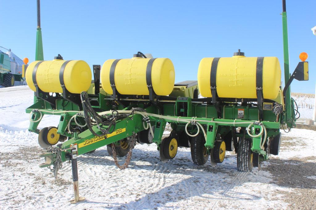 John Deere 1750 6X30 Max Emerge Corn Planter