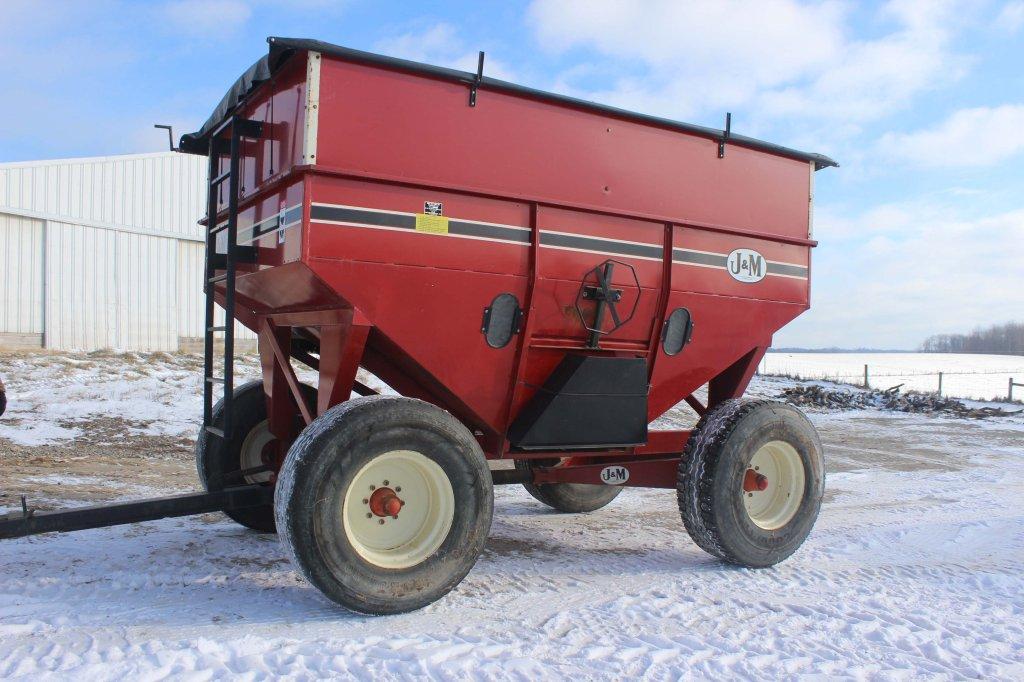 J&M 385 Bu. gravity wagon