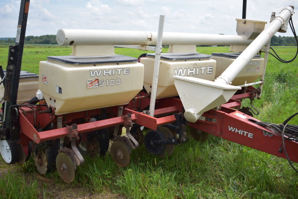 White 6100 Planter Auctions Online Proxibid