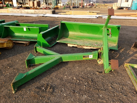 John Deere 1560/1590 2 pt hitch