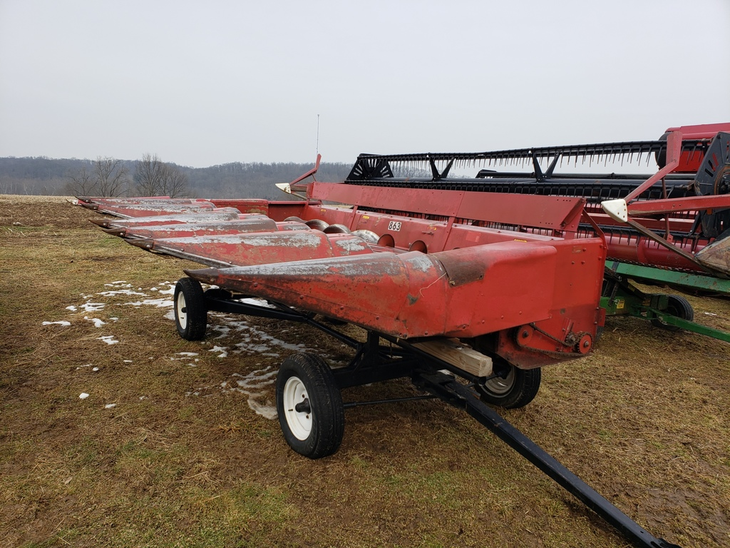 Case 863 6R30 corn head (needs work)